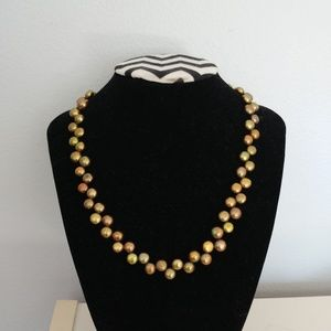 Green Gold Zig Zag Button Pearl Necklace